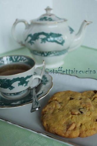 Biscotti macadamia e cioccolato bianco