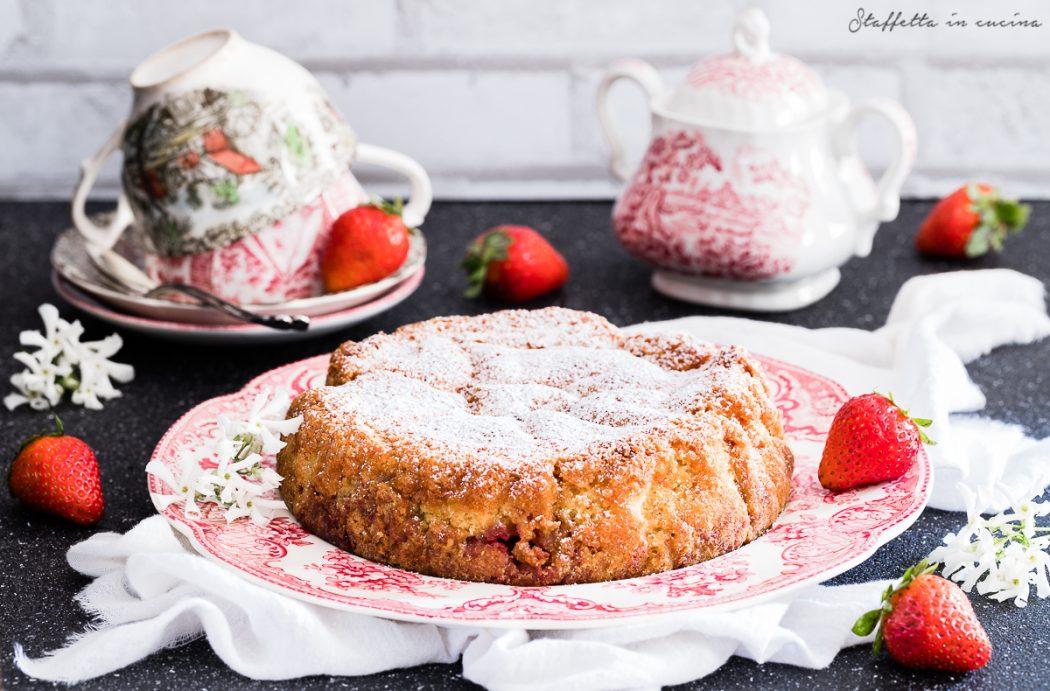 torta 10 cucchiai alle fragole