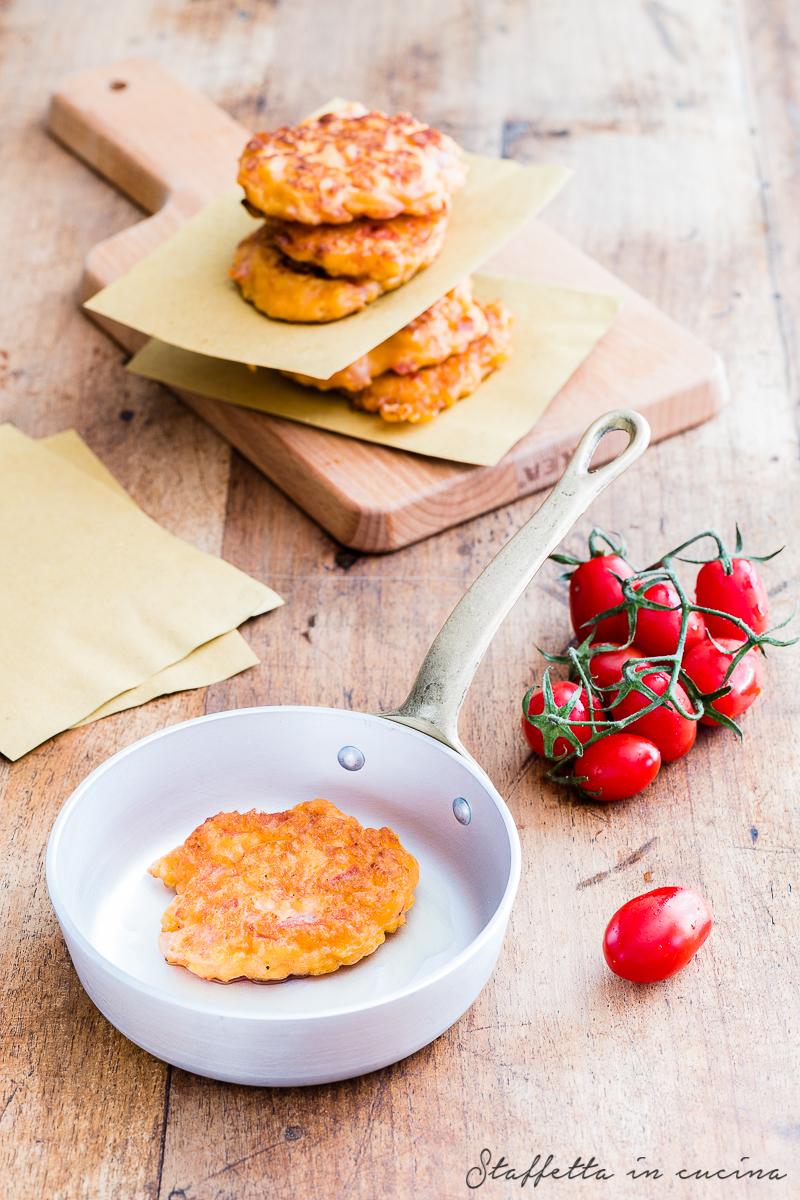 frittelle di feta e pomodori