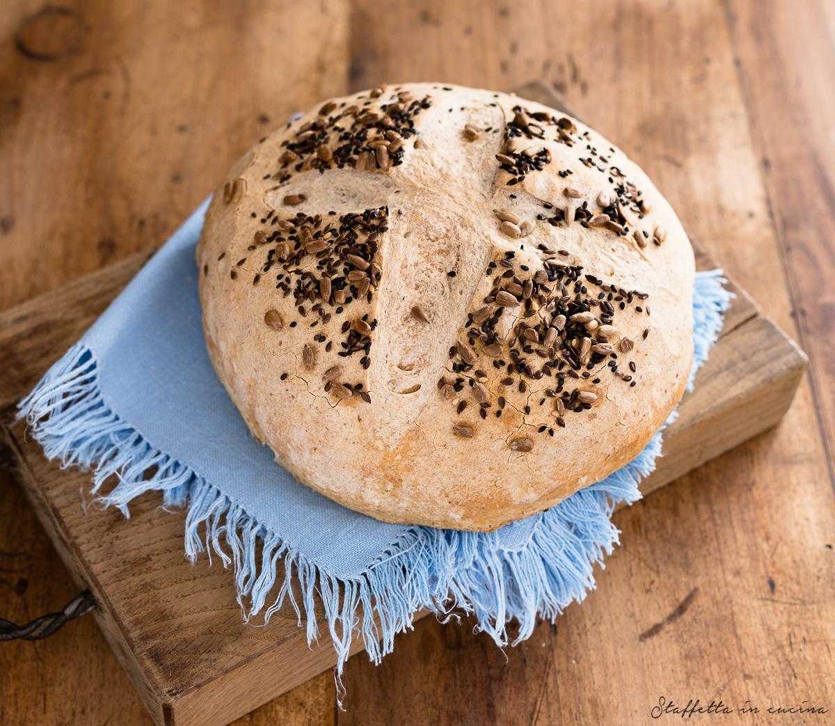 pane rustico con farina integrale