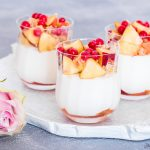 Mousse allo yogurt e pesche