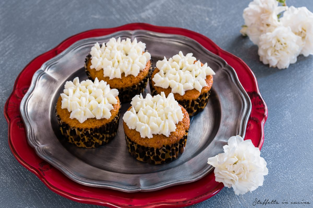 cupcakes alle mandorle e cioccolato
